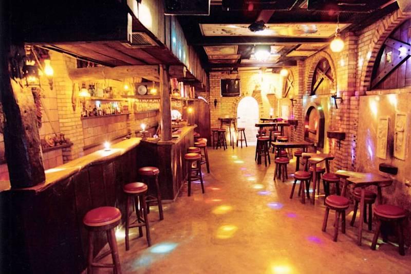 Interior do Taverna Pub em Natal
