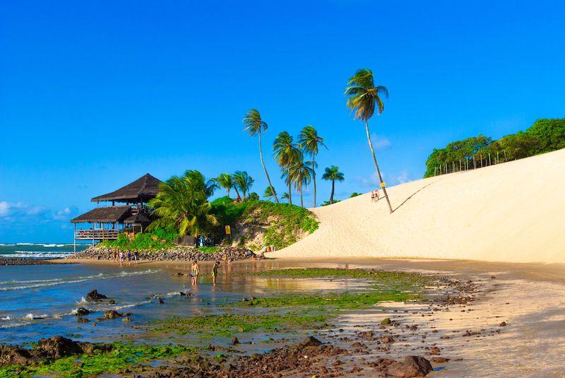 Pessoas na Praia de Genipabu
