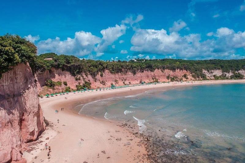 Praia Baía dos Golfinhos em Pipa