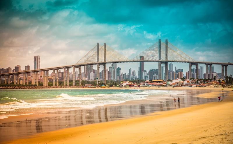 Praia e Ponte Newton Navarro em Natal
