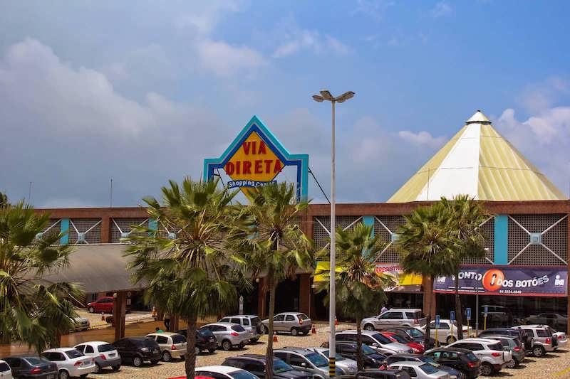 Estacionamento do Via Direta Shopping em Natal